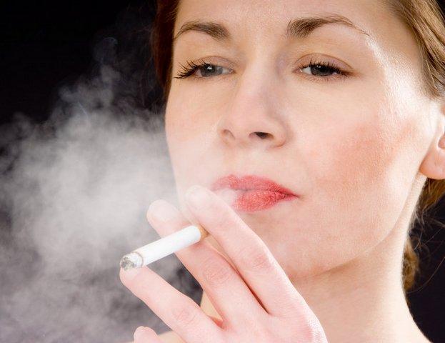 Курение женщин фото